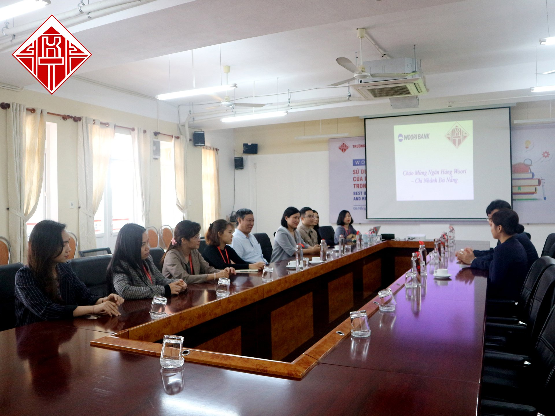Ấm áp buổi gặp gỡ đầu xuân giữa Ngân hàng Woori - chi nhánh Đà Nẵng và trường Đại học Kiến trúc Đà Nẵng